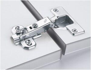 111 9 300x232 Мебельные петли и сопутствующие механизмы – все, что нужно для нормальной работы распашных фасадов