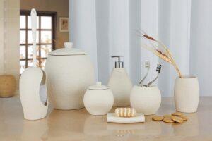 110 810x540 300x200 Материалы, из которых изготавливают аксессуары для ванной комнаты и туалета