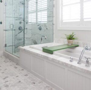 sdelay sam aksessuary dlya vannoy 03 1 300x296 Основные способы крепления аксессуаров для ванной комнаты
